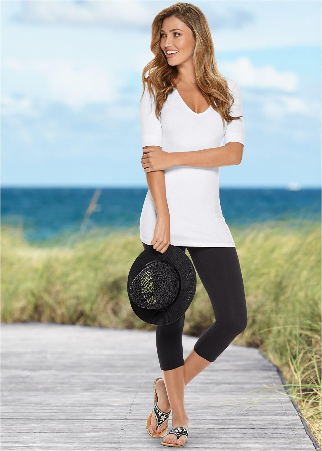 Basic Capri Leggings,Long And Lean V-Neck Tee,Studded Flip Flops