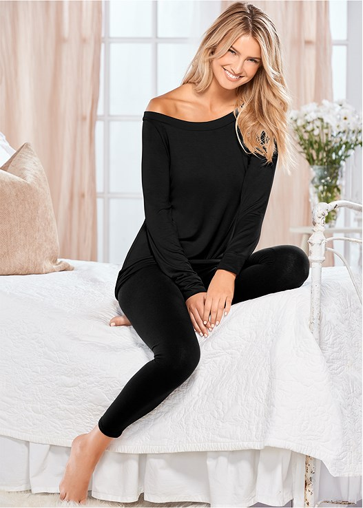 OFF SHOULDER SLEEP TEE,BASIC CAPRI LEGGINGS