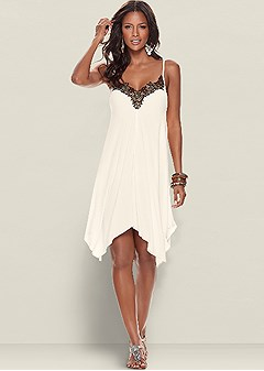 trim detailed dress