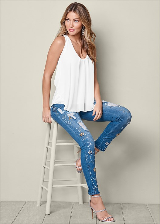 EMBELLISHED RIPPED JEANS