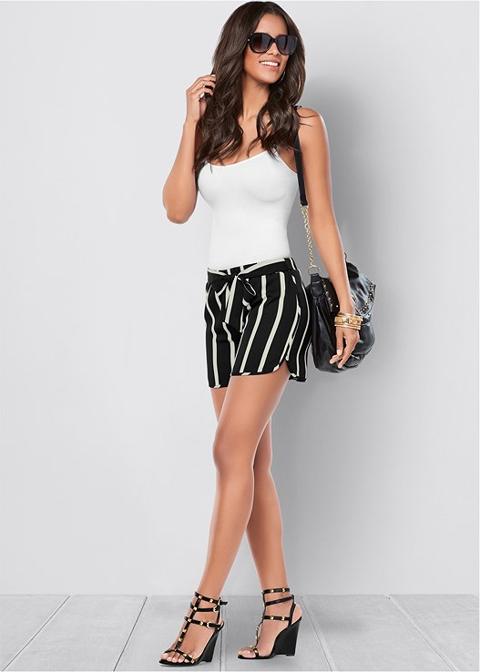 BELTED STRIPE SHORTS,SEAMLESS CAMI,BANGLE SET