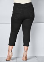 plus size bum lifter capris