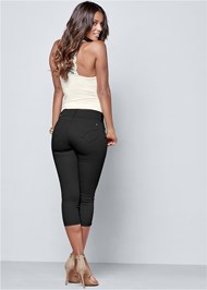 Back view Bum Lifter Capris