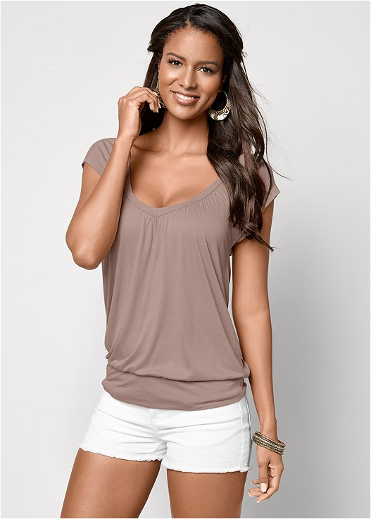 RELAXED V-NECK TOP