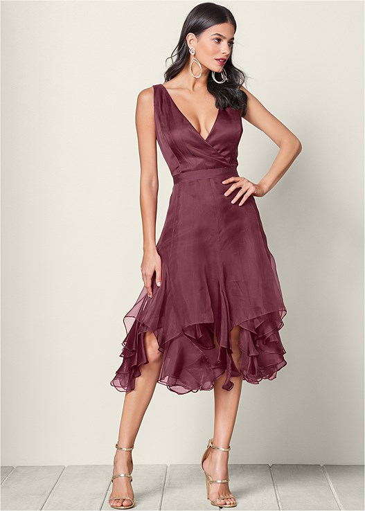 V-NECK RUFFLE DETAIL DRESS,HIGH HEEL STRAPPY SANDAL,EVERYDAY YOU UNLINED BRA