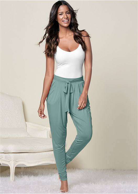 PLEATED FRONT LOUNGE PANTS
