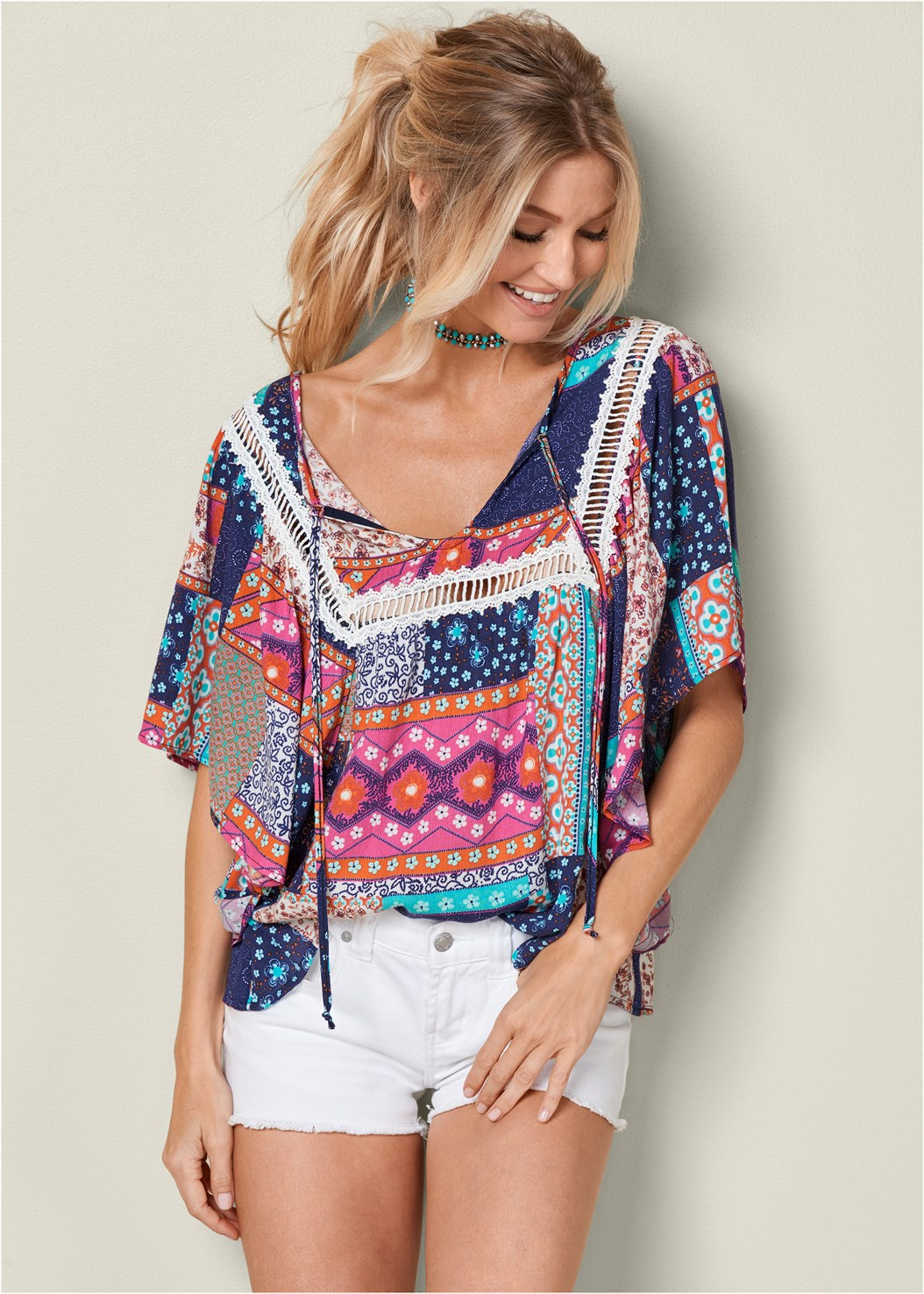 Patch Print Trim Detail Top,Frayed Cut Off Jean Shorts