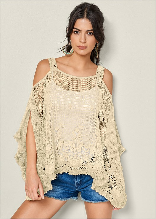 LACE FRINGE DETAIL PONCHO,SEAMLESS CAMI,CUT OFF JEAN SHORTS