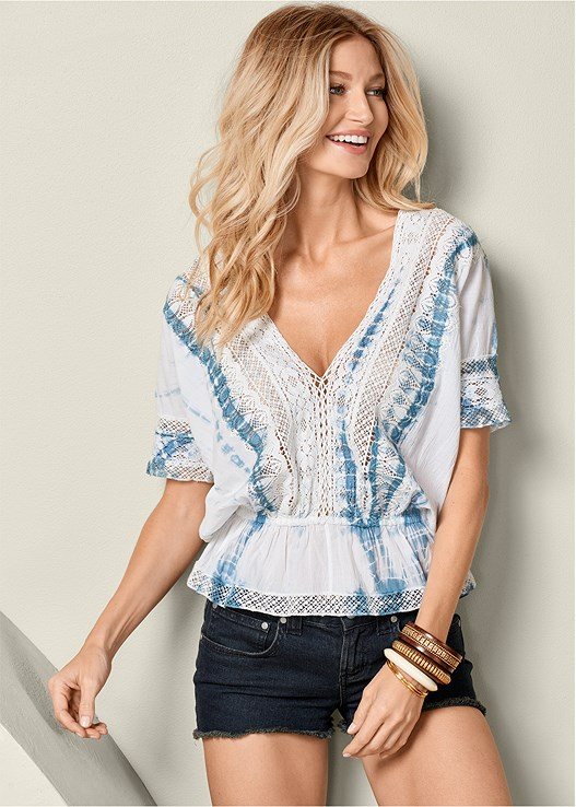 LACE BLOUSON V-NECK TOP,CUT OFF JEAN SHORTS