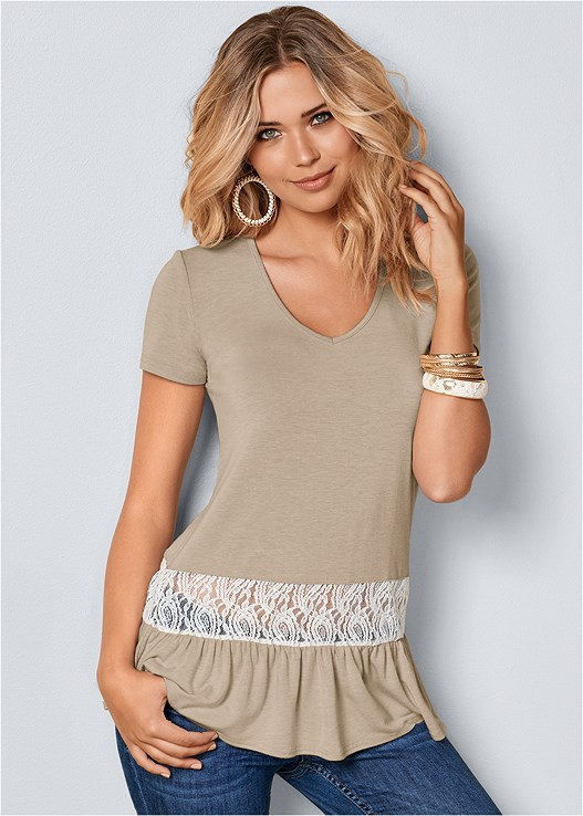 LACE INSET V-NECK TOP,DEEP CUFF JEANS