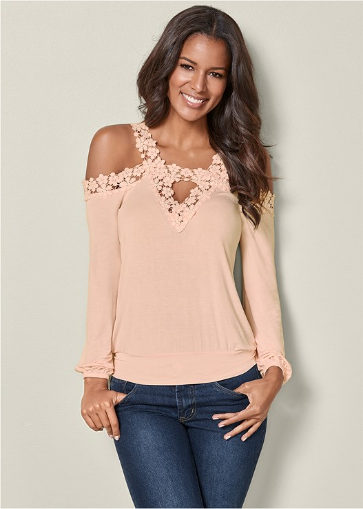 LACE COLD SHOULDER TOP,COLOR SKINNY JEANS