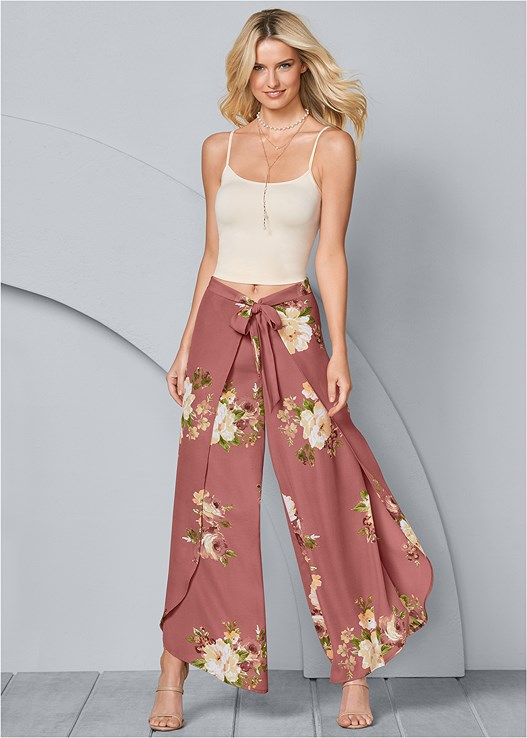 FLORAL OPEN LEG PANTS,SEAMLESS CAMI,HIGH HEEL STRAPPY SANDALS