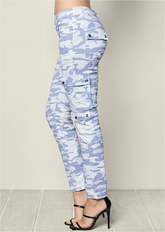 CAMOUFLAGE CARGO PANTS,HIGH HEEL STRAPPY SANDAL