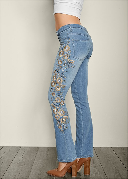 EMBROIDERED BOOT CUT JEANS,TIE FRONT BUTTON UP TOP,BUCKLE DETAIL STRAPPY HEEL