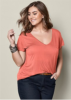 plus size pocket detail v-neck tee