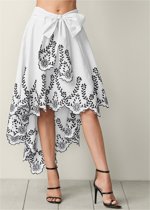 Black   White BOW FRONT EMBROIDERED SKIRT  318e36e411e