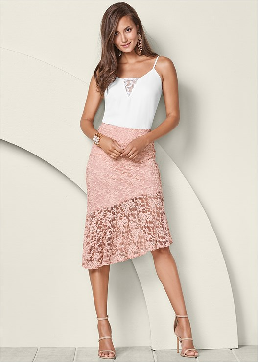 LACE MIDI SKIRT,LACE INSET SLEEVELESS TOP,HIGH HEEL STRAPPY SANDALS