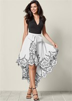 bow front embroidered skirt