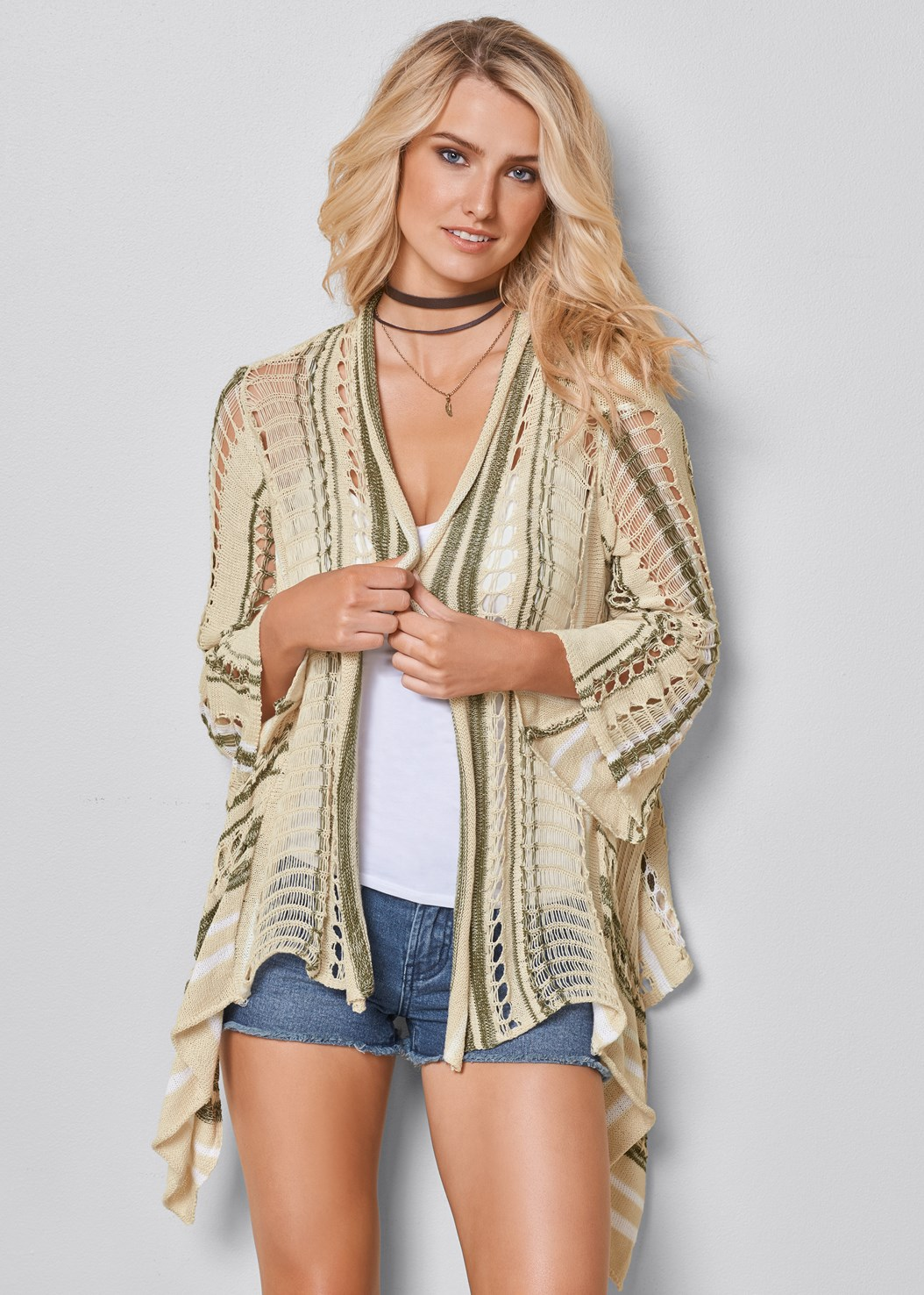 Multicolor Cardigan,Frayed Cut Off Jean Shorts