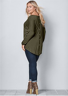 plus size button back scoop neck top