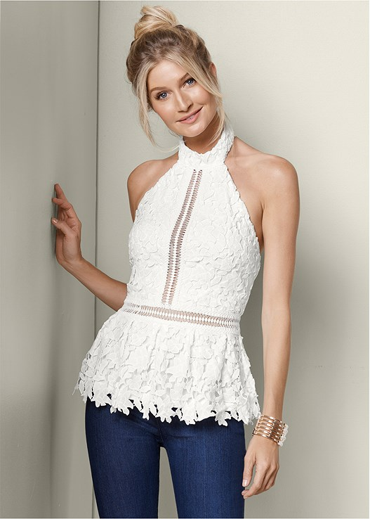 LACE PEPLUM TOP,SLIMMING STRETCH JEGGINGS,RAFFIA DETAIL HEELS
