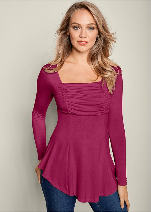 5577e4e229 SQUARE NECK LONG SLEEVE TOP in Berry