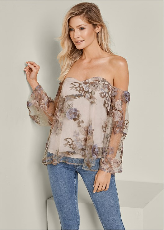 OFF THE SHOULDER LACE TOP,COLOR SKINNY JEANS,HIGH HEEL STRAPPY SANDALS,EVERYDAY YOU STRAPLESS BRA