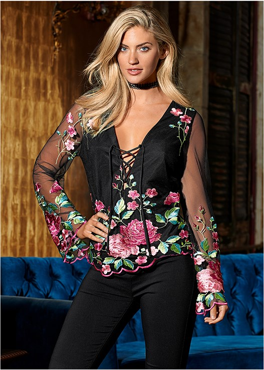 EMBROIDERED MESH BLOUSE,SLIMMING STRETCH JEGGINGS,LACE TASSEL CHOKER SET