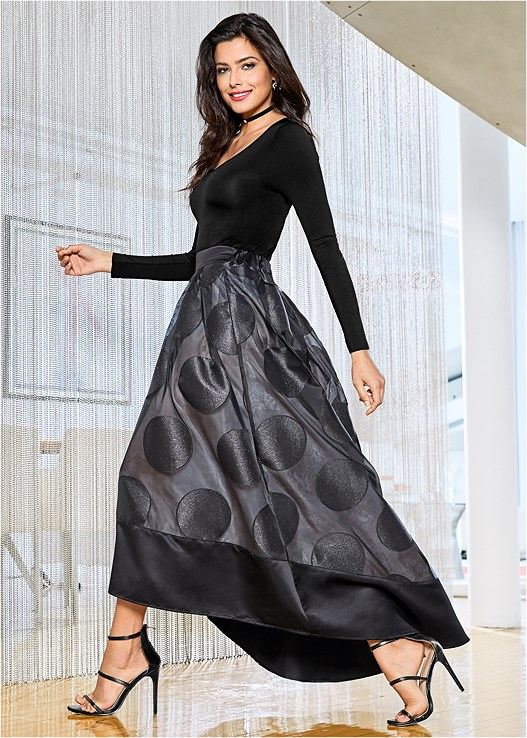 POLKA DOT MIDI SKIRT,LONG SLEEVE SEAMLESS TOP,HIGH HEEL STRAPPY SANDAL