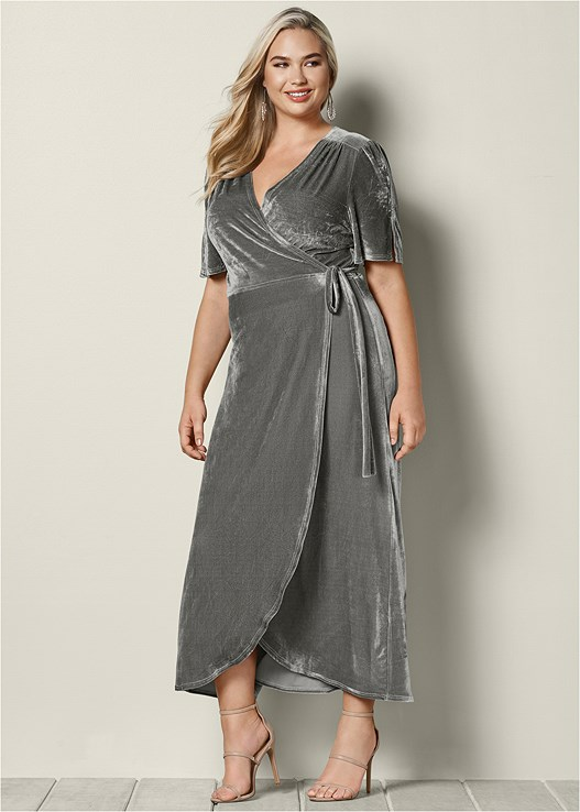 0d79e368de9 Plus Size VELVET WRAP DRESS