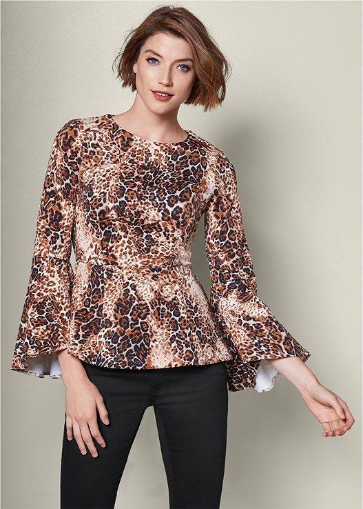 LEOPARD BELL SLEEVE TOP,COLOR SKINNY JEANS,HIGH HEEL STRAPPY SANDALS