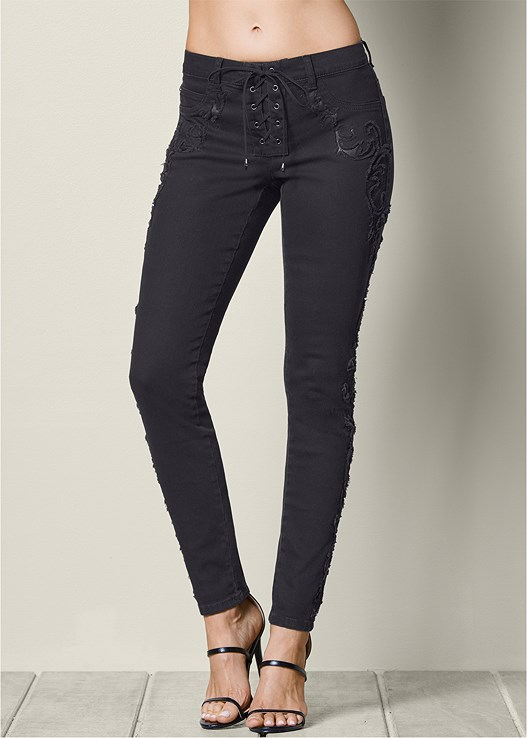 LACE UP DETAIL JEANS,JEAN JACKET,SEAMLESS CAMI,HIGH HEEL STRAPPY SANDAL,HOOP DETAIL EARRINGS