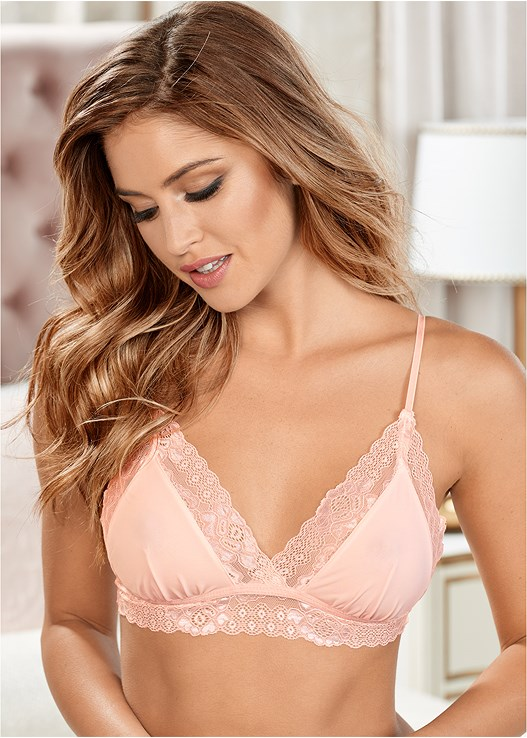 b84bb589c09 LACE TRIANGLE BRALETTE in Light Pink