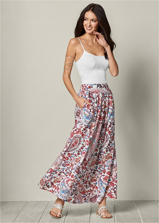 PAISLEY PRINTED MAXI SKIRT,SEAMLESS CAMI,ETCHED METAL UPPER ARM BAND