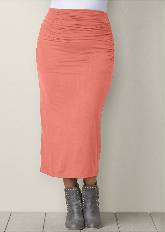 GATHERED WAIST LONG SKIRT,SEAMLESS CAMI,WRAP STITCH DETAIL BOOTIES