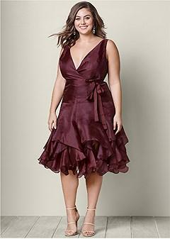 plus size v-neck ruffle detail dress
