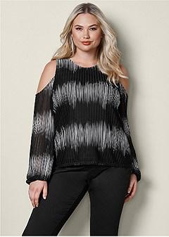 plus size cold shoulder print top