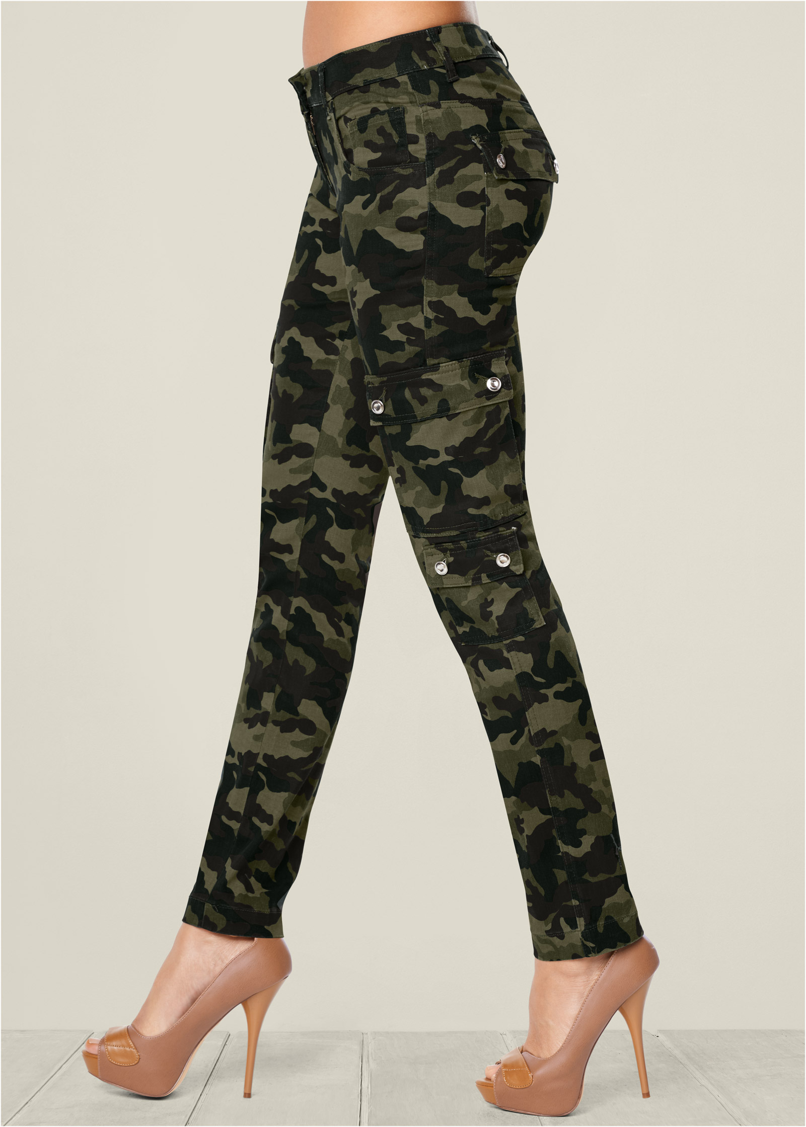 Urban Classics Ladies Camo Leggings Damen Leggings im Kamouflage Design