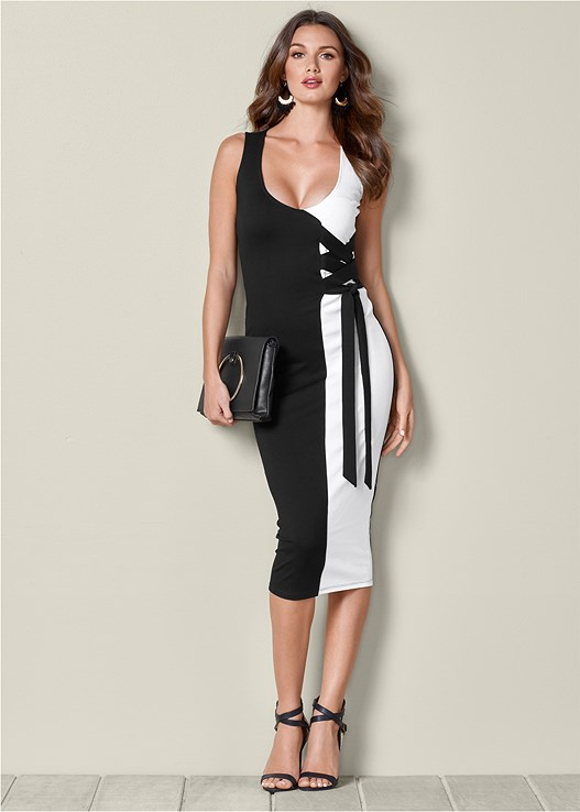 dad830afa8 COLOR BLOCK LACE UP MIDI DRESS in Black   White