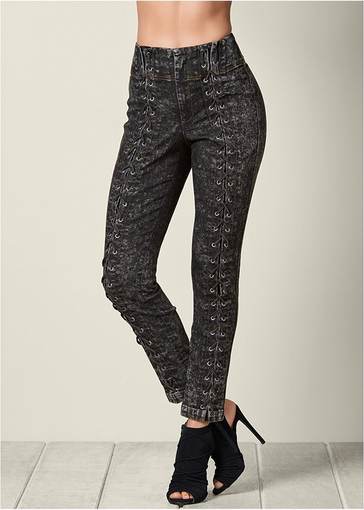 LACE UP DETAIL JEANS,LONG SLEEVE SEAMLESS TOP,PERFORATED LACE UP HEEL