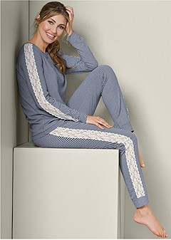 lace detail sleep set