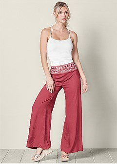 trim detail casual pants