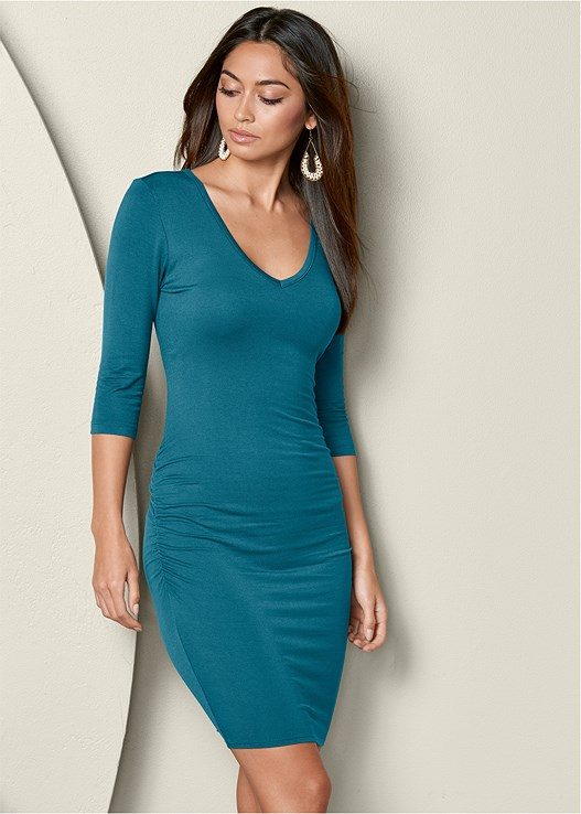 RUCHED V NECK DRESS,BEADED DROP EARRINGS