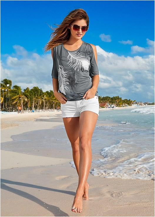 FEATHER COLD SHOULDER TEE,CUT OFF JEAN SHORTS,STEVE MADDEN SUNGLASSES