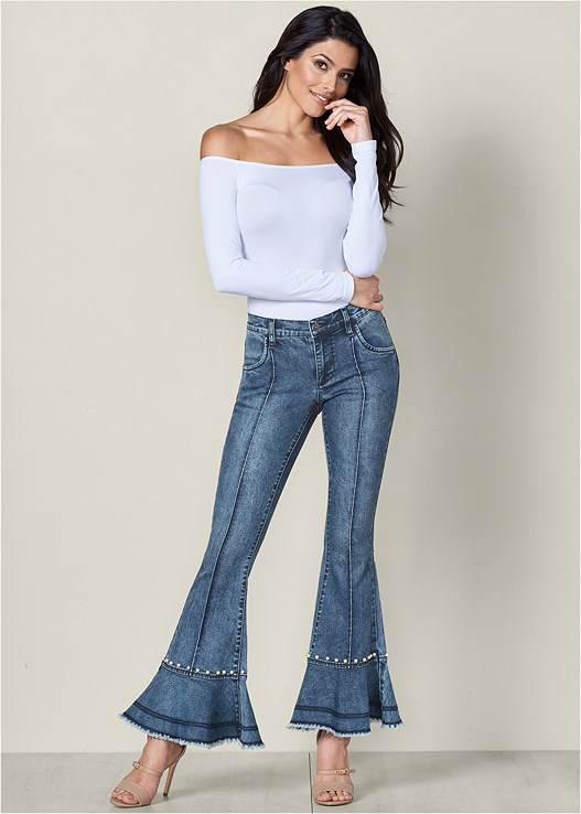 PEARL DETAIL JEANS,OFF THE SHOULDER TOP,BUCKLE DETAIL STRAPPY HEEL