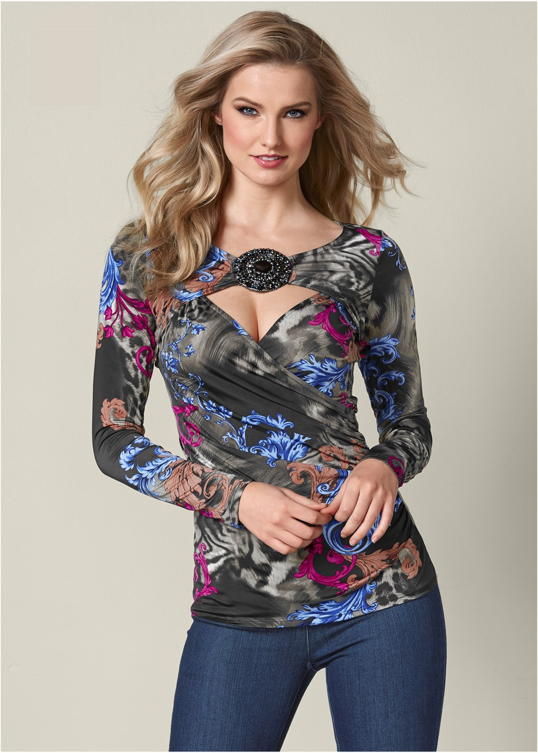 Embellished Cut Out Top,Mid Rise Full Length Slimming Stretch Jeggings,High Heel Strappy Sandals