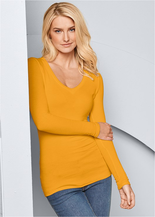 RIBBED V-NECK TOP,CASUAL BOOT CUT JEANS
