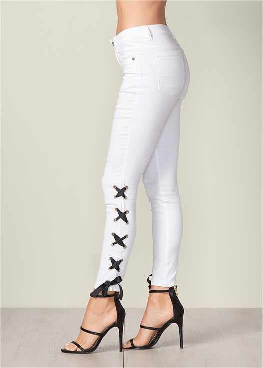 LACE UP DETAIL JEANS,CUT OUT DETAIL TOP,HIGH HEEL STRAPPY SANDAL
