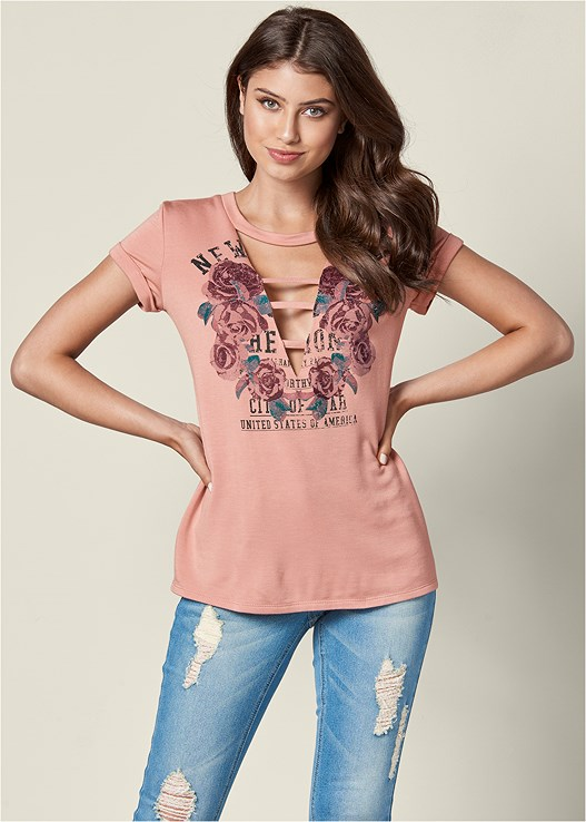 GRAPHIC CUT OUT TEE,DESTROYED JEANS,OPEN HEEL BOOTIE