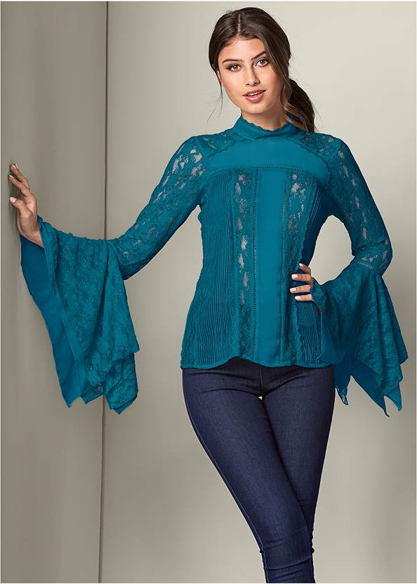 Lace Detail Top,Mid Rise Slimming Stretch Jeggings,High Heel Strappy Sandals